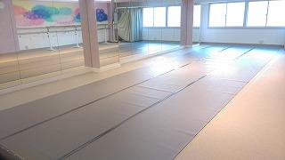 練馬 レンタルスタジオ には バレエ用床材 をご用意しています。