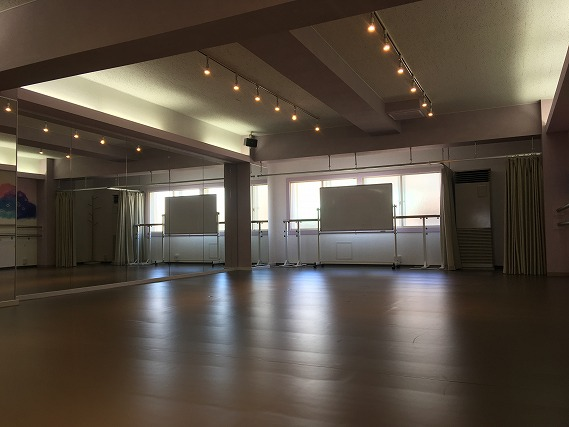 商用利用可能 バレエスタジオ として使える ダンススタジオ が2つある レンタルスペース RB の備品 設備について